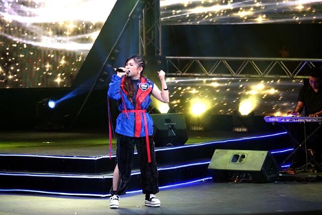 - DSC08182 - ເຈນນີ້ P10 ຄວ້າແຊ້ມໂຄງການປະກວດຮ້ອງເພງ Pepsi Singing Contest ຄັ້ງທີ 8