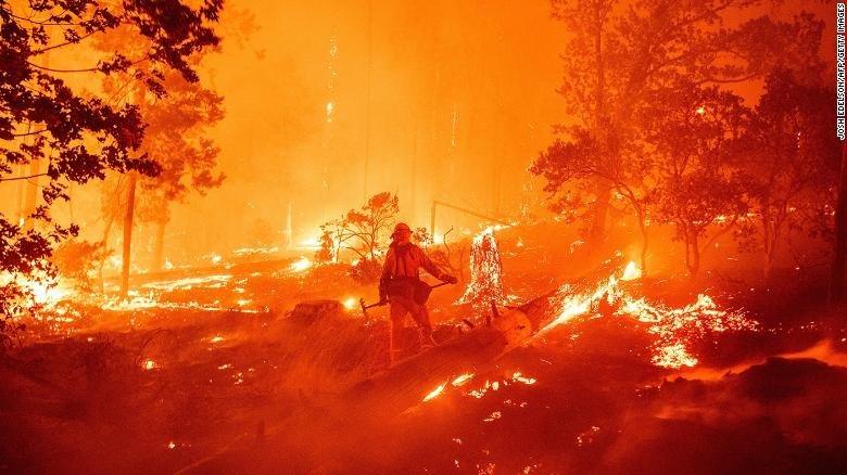 ໄຟໄໝ້ປ່າເປັນວົງກ້ວາງໃນສະຫະລັດ, ຫຼາຍພັນຄົນຕ້ອງໜີອອກຈາກບ້ານເຮືອນ - 200907233726 03 wildfire california 0907 exlarge 169 - ໄຟໄໝ້ປ່າເປັນວົງກ້ວາງໃນສະຫະລັດ, ຫຼາຍພັນຄົນຕ້ອງໜີອອກຈາກບ້ານເຮືອນ