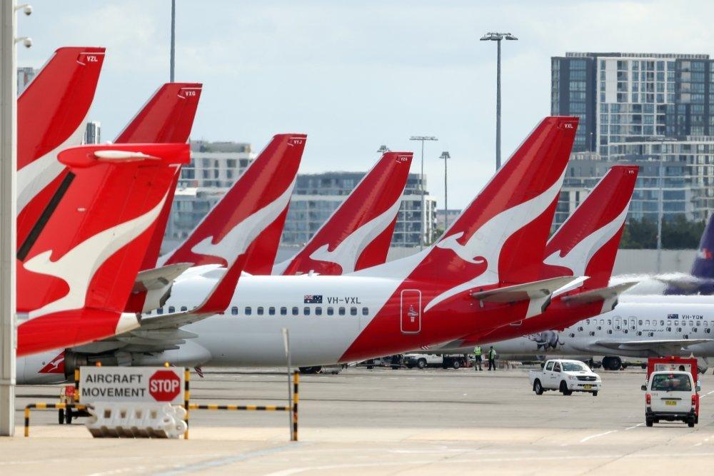 Qantas ກຽມອອກກົດໃໝ່ ຜູ້ໂດຍສານລະຫວ່າງປະເທດ ຕ້ອງຢືນຢັນຂໍ້ມູນການສັກວັກຊີນໂຄວິດ-19 ກ່ອນຂຶ້ນເຮືອບິນ - 1x 1 - Qantas ກຽມອອກກົດໃໝ່ ຜູ້ໂດຍສານລະຫວ່າງປະເທດ ຕ້ອງຢືນຢັນຂໍ້ມູນການສັກວັກຊີນໂຄວິດ-19 ກ່ອນຂຶ້ນເຮືອບິນ