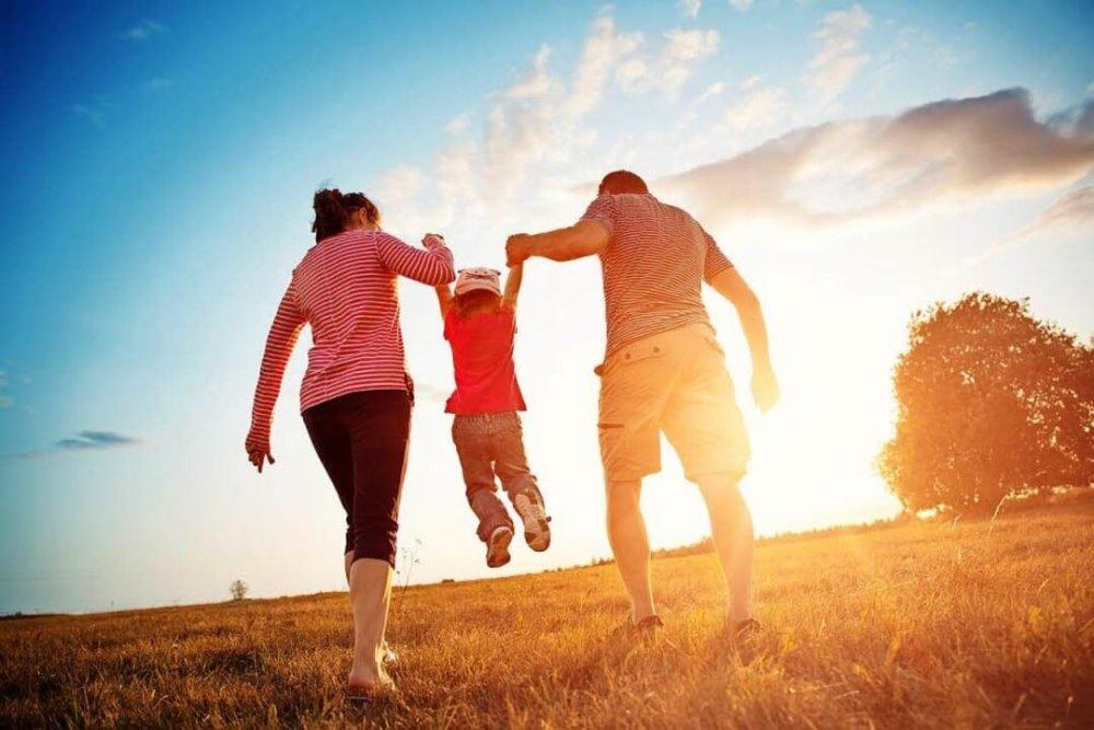 ຍ້ອນຫຍັງ? ຄອບຄົວຄົນລາວຍຸກນີ້ຈຶ່ງໃຫ້ກຳເນີດລູກໜ້ອຍຄົນ? - bring your family to germany - ຍ້ອນຫຍັງ? ຄອບຄົວຄົນລາວຍຸກນີ້ຈຶ່ງໃຫ້ກຳເນີດລູກໜ້ອຍຄົນ?