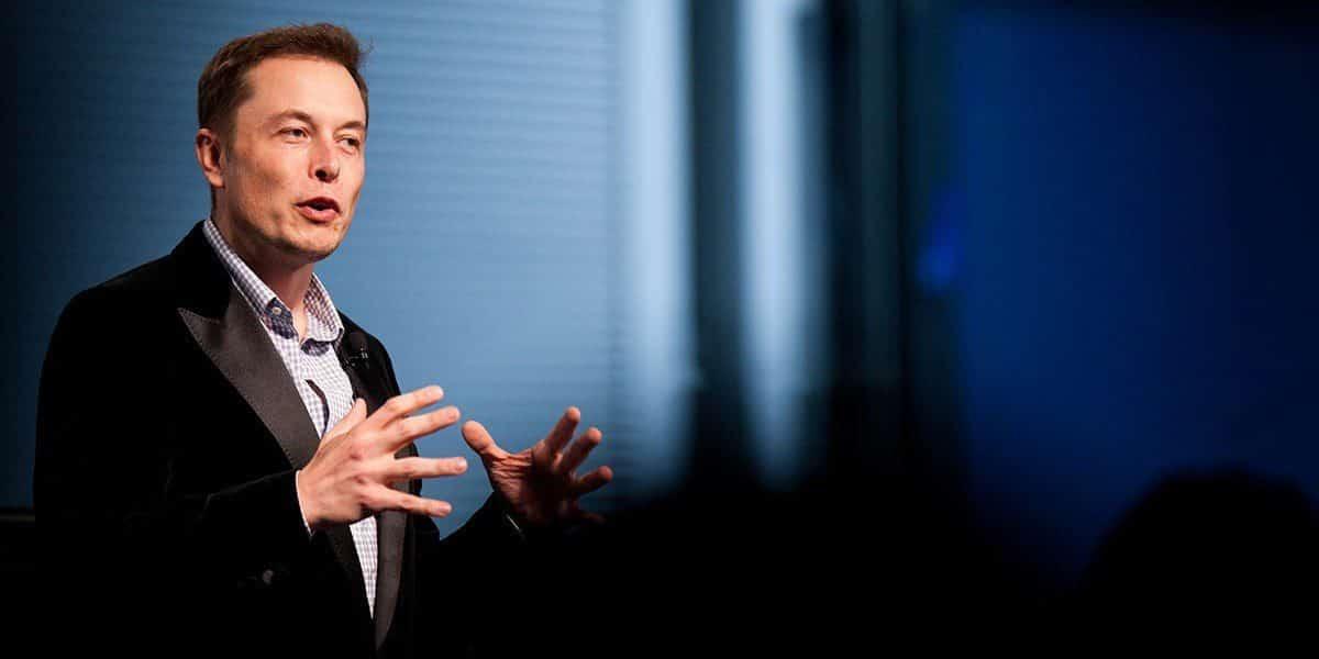 - elon musk1 e1445185617305 1 - Elon Musk ປະກາດຈະມອບເງິນລາງວັນ 100 ລ້ານໂດລາ ໃຫ້ຜູ້ພັດທະນາເຕັກໂນໂລຊີການດັກຈັບກາກບອນ