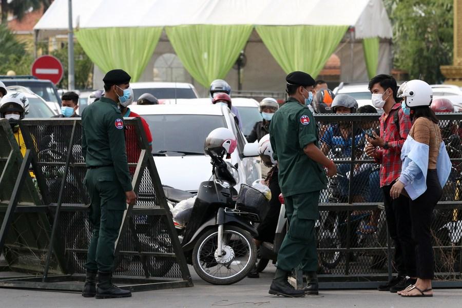 ກໍາປູເຈຍມີຜູ້ຕິດເຊື້ອໂຄວິດເພີ່ມ 624 ຄົນ ປະກາດເຂັ້ມງວດ-ລັອກດາວບາງພື້ນທີ່ - Asia Album  Cambodia imposes two week lockdown to contain COVID 19 spread in Phnom Penh 3 - ກໍາປູເຈຍມີຜູ້ຕິດເຊື້ອໂຄວິດເພີ່ມ 624 ຄົນ ປະກາດເຂັ້ມງວດ-ລັອກດາວບາງພື້ນທີ່