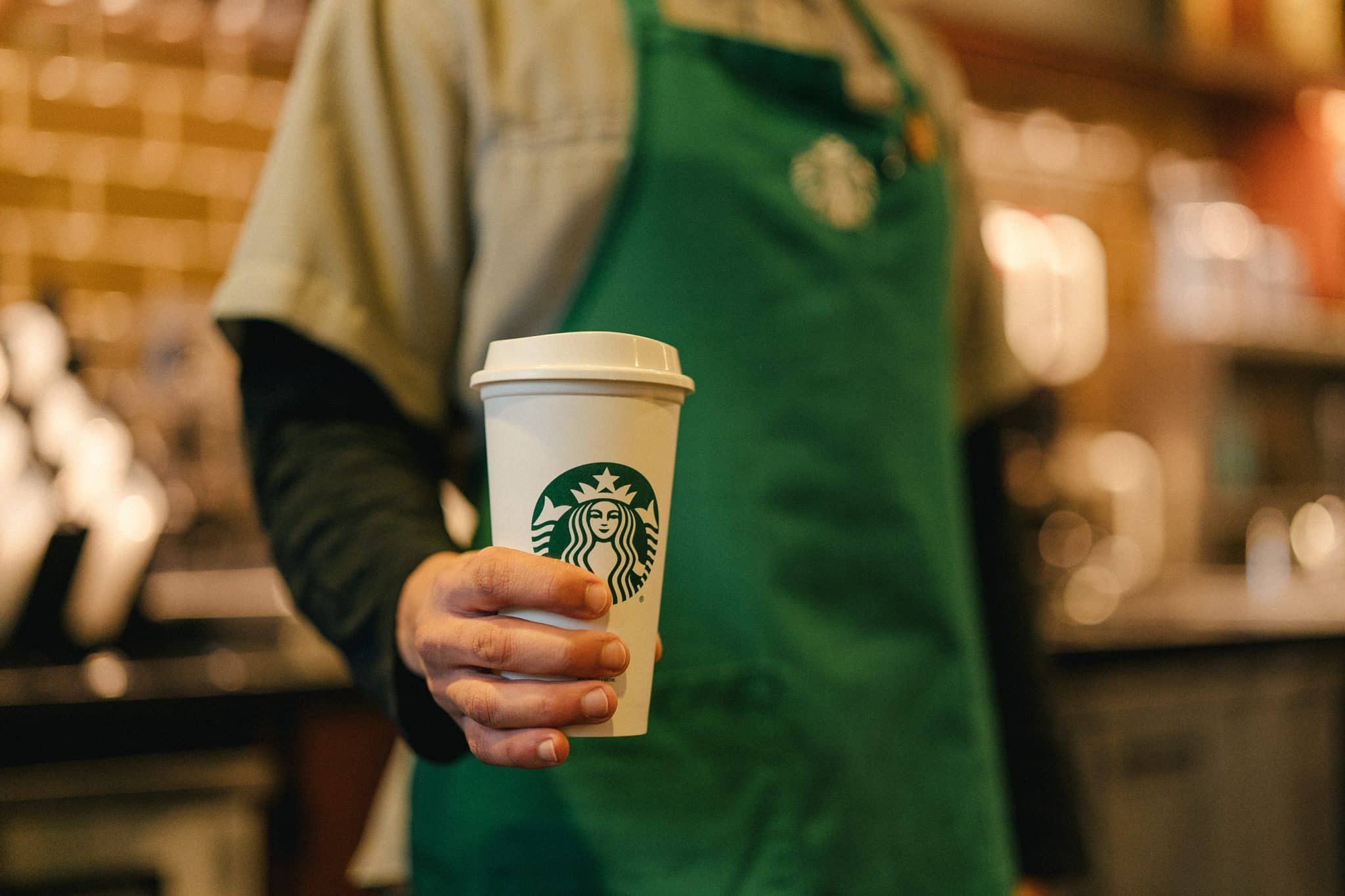 - Starbucks Reusable Cups scaled - Starbucks ກຽມຍົກເລີກຈອກແບບໃຊ້ເທື່ອດຽວຖິ້ມ ເລີ່ມຢູ່ ສ.ເກົາຫລີ ພາຍໃນປີ 2025