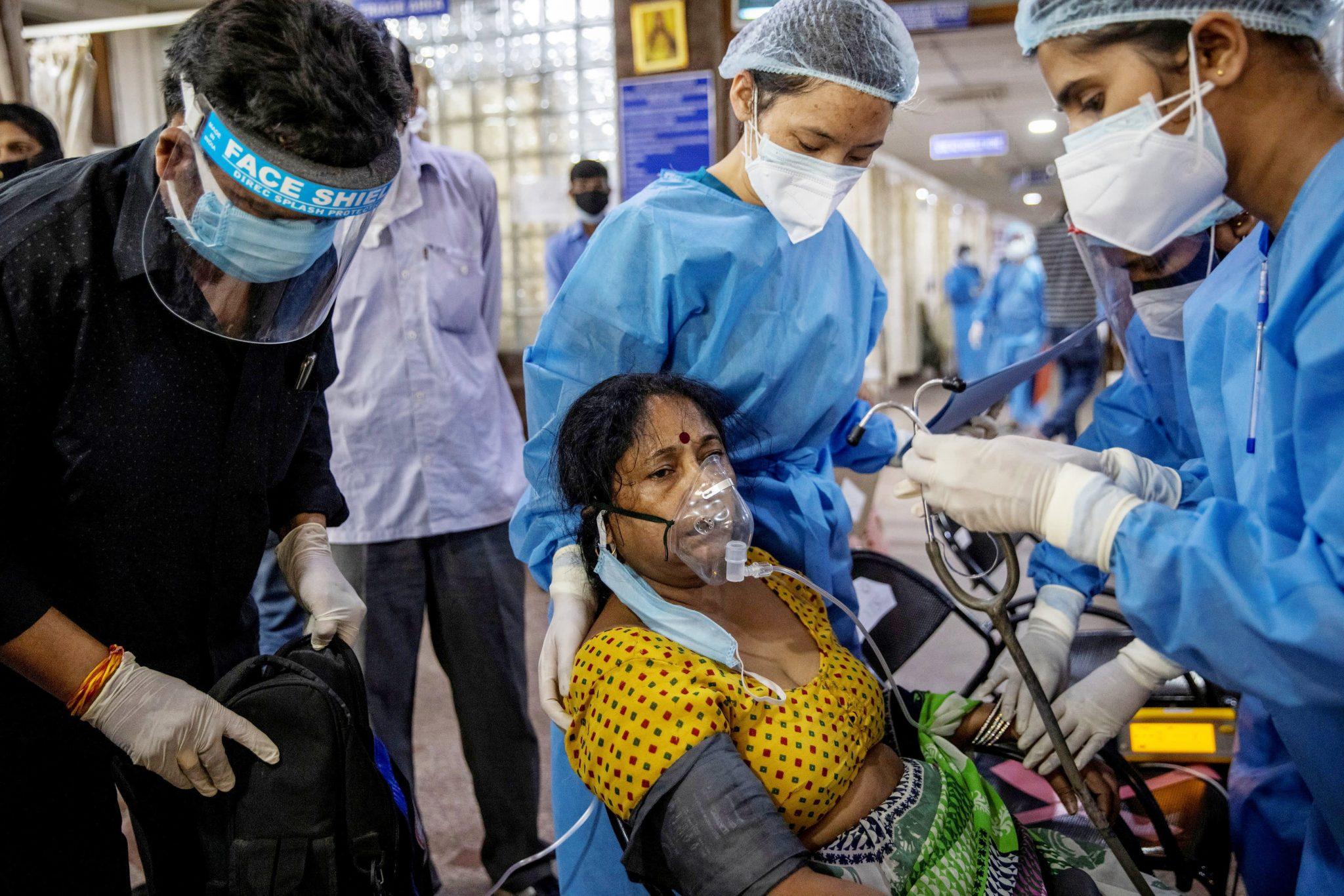 ອາເມລິກາສັ່ງຫ້າມການເດີນທາງຈາກອິນເດຍ ຫລັງຈຳນວນຜູ້ຕິດເຊື້ອໂຄວິດ-19 ເພີ່ມຂຶ້ນບໍ່ຢຸດ - 106875867 1619787992685 106875867 16197043672021 04 29t133208z 1823338364 rc2j5n9qp01b rtrmadp 0 health coronavirus india scaled - ອາເມລິກາສັ່ງຫ້າມການເດີນທາງຈາກອິນເດຍ ຫລັງຈຳນວນຜູ້ຕິດເຊື້ອໂຄວິດ-19 ເພີ່ມຂຶ້ນບໍ່ຢຸດ