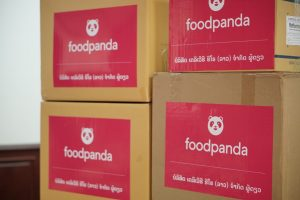 - IMG 20210521 WA0056 300x200 - foodpanda ຊ່ວຍເຫຼືອຄະນະສະເພາະກິດຕ້ານ ໂຄວິດ 19 ທົ່ວປະເທດ! ລວມມູນຄ່າ 120,000,000 ກີບ.
