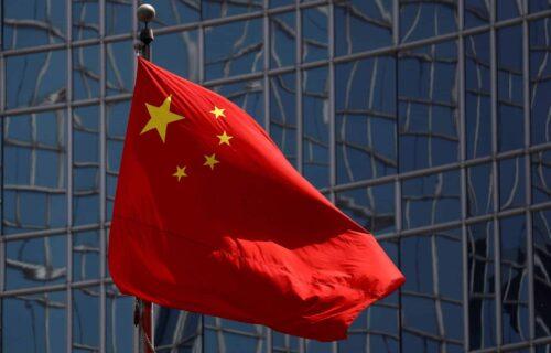 ຈີນຮ້ອງຂໍໃຫ້ ນາໂຕ (NATO) ຢຸດຕິການໃສ່ຮ້າຍປ້າຍສີ ຈີນ ເພື່ອສ້າງຄວາມຊອບທຳໃຫ້ກຸ່ມຂອງຕົນ ຂ່າວຕ່າງປະເທດ ຫນັງສືພິມ ລາວພັດທະນາ ຂ່າວລາວ ຂ່າວສານ - China flag scaled 1 scaled 500x320 - ຂ່າວຕ່າງປະເທດ