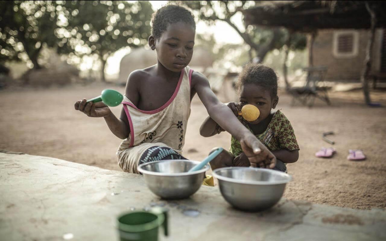 ຄວາມອຶດຫິວຂ້າຊີວິດ 11 ລ້ານຄົນໃນທົ່ວໂລກ ຫຼາຍກວ່າອັດຕາເສຍຊີວິດຈາກໂຄວິດ-19. - EU hunger pic 1 - ຄວາມອຶດຫິວຂ້າຊີວິດ 11 ລ້ານຄົນໃນທົ່ວໂລກ ຫຼາຍກວ່າອັດຕາເສຍຊີວິດຈາກໂຄວິດ-19.