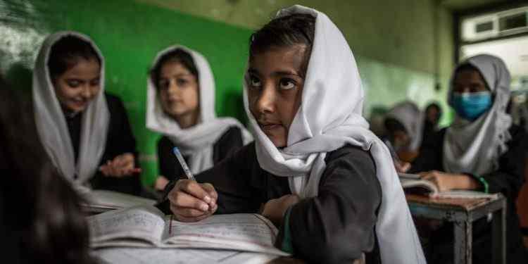 - EU Pledges Money to Afghans in Need but Donors Struggle 750x375 1 - EU ກຽມນຳສະເໜີງົບ 1 ພັນລ້ານເອີໂຣ ຊ່ວຍອັບການິດສະຖານແບບມີເງື່ອນໄຂ ຢ້ານປະຊາຊົນຮັບເຄາະຖ້າລົ້ມສະຫລາຍ
